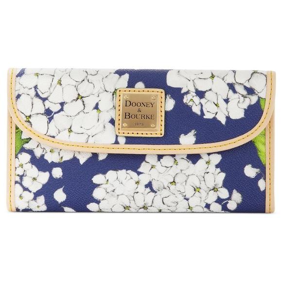 Dooney & Bourke Handbags - Dooney and Bourke handbag and wallet